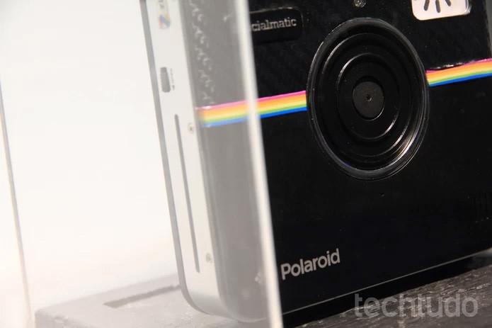 Apesar do preço salgado, Polaroid resgata as antigas câmeras instantâneas com muitos recursos da era das redes sociais (Foto: Isadora Dias/TechTudo)
