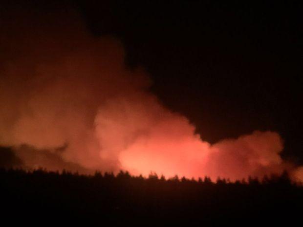 Incêndio foi ás margens de rodovia (Foto: Nádia Chor/Arquivo Pessoal)