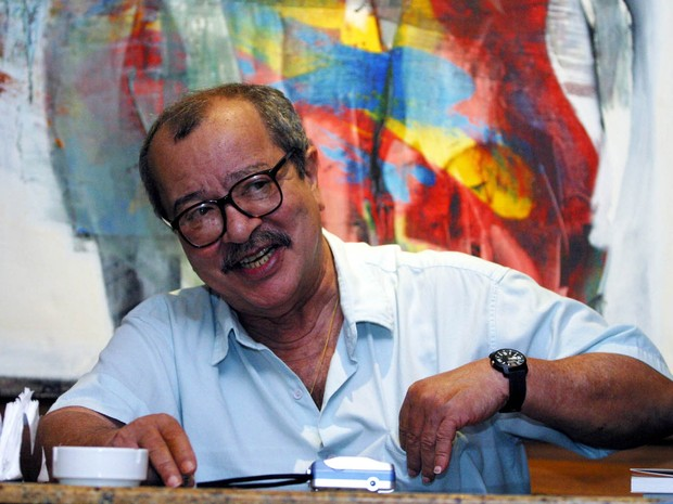 João Ubaldo Ribeiro em foto de arquivo de 14/11/2005  (Foto: Luciano da Matta/Agência A Tarde/Estadão Conteúdo)