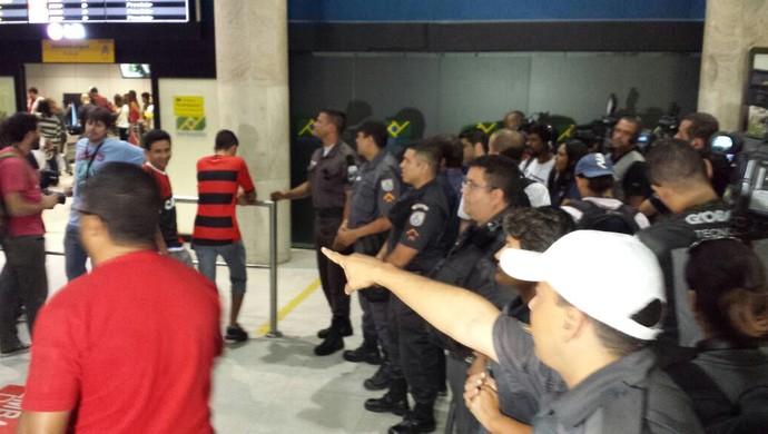 Desembarque Flamengo (Foto: Thiago Correa)