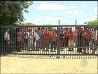 Integrantes do MST deixam fazenda de laranja em Borebi