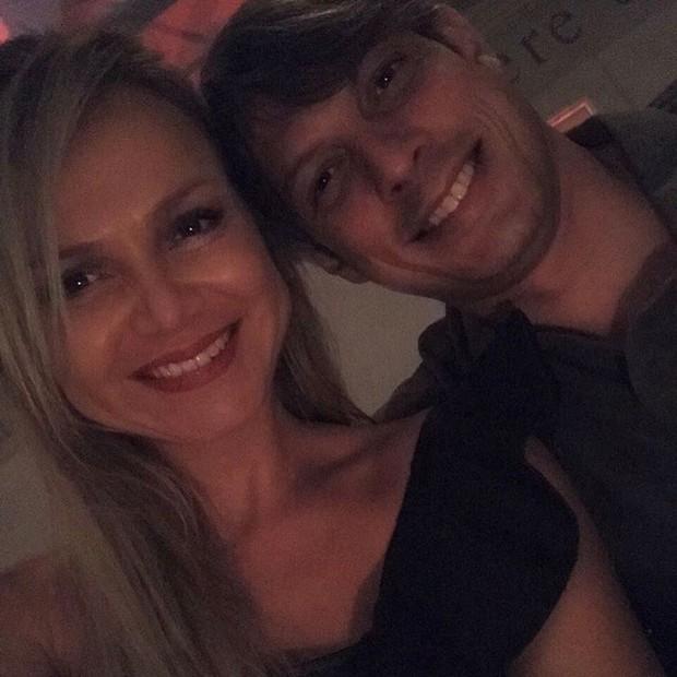 Eliana e o noivo Adriano Ricco (Foto: Reprodução/Instagram)