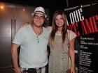 Cristiana Oliveira e Tiago Abravanel vão ao teatro no Rio