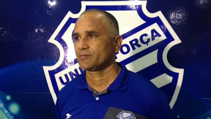 Oliveira Canindé CSA (Foto: Viviane Leão/GloboEsporte.com)