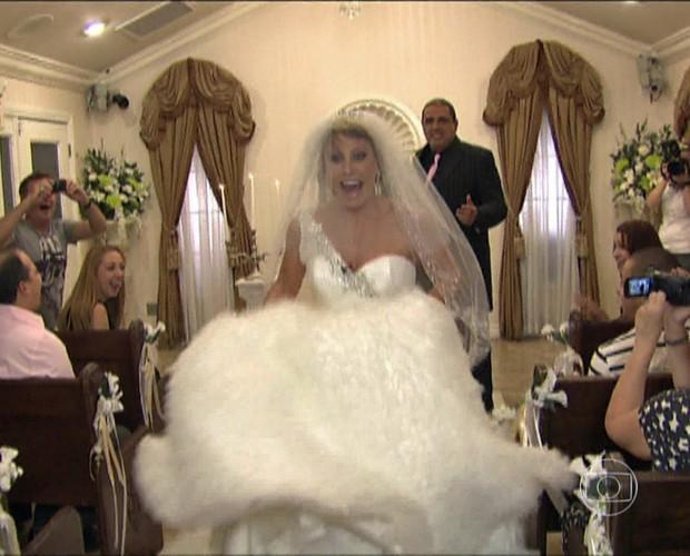 E não é que Ana Maria deu uma fugidinha e deixou o noivo no altar? (Foto: Mais Você/TV Globo)