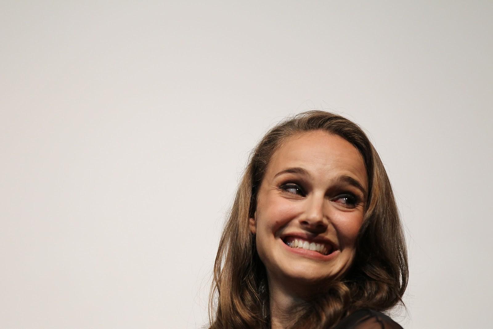 Natalie Portman, brincalhona e premiada (Foto: Getty)