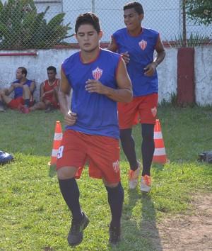 Leo, lateral-esquerdo Rio Branco sub-20 (Foto: Duaine Rodrigues)