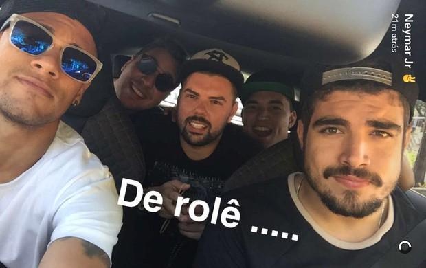 """BLOG: Neymar posa com Caio Castro em rede social após título da Copa do Rei: """"De rolê"""""""