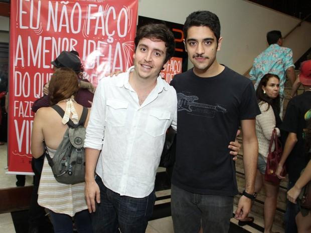 Wagner Santisteban e Miguel Rômulo em pré-estreia de filme no Rio (Foto: Thyago Andrade/ Foto Rio News)