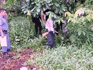 Arma foi encontrada em terreno perto da casa de prefeito  (Foto: Reprodução/Rede Amazônica)