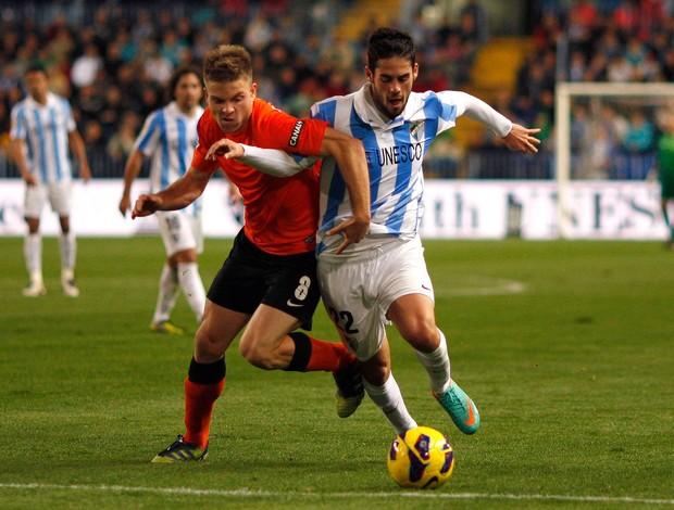 Asier Illarramendi do Real Sociedad e Isco do Malaga (Foto: Reuters)