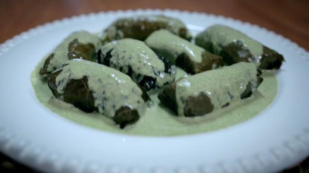 Molho de menta: receita da Bela Gil para o Bela Cozinha (Foto: Reproduo/GNT)