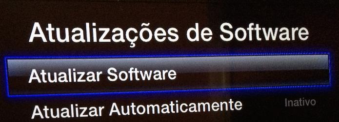 Entrando na opção Atualizar Software (Foto: Reprodução/Edivaldo Brito)