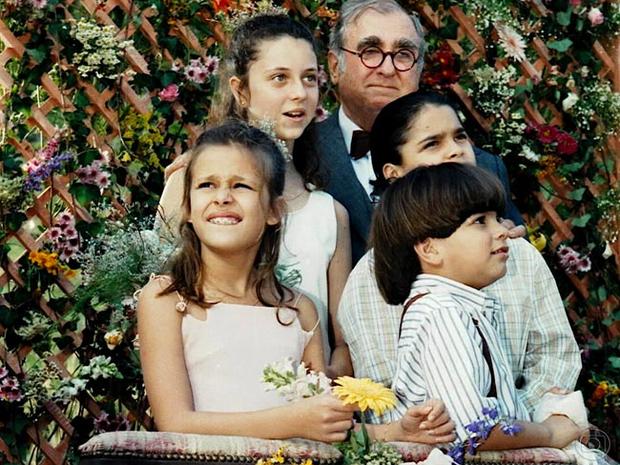 Pepe (Elias Gleiser), Glorinha (Luiza Curvo), Zé Maria (Alexandre Lemos), Mazé (Alessandra Aguiar) e Fafá (Pedro Agum) em Era Uma Vez...