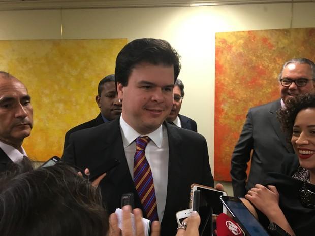 Ministro de Minas e Energia, Fernando Bezerra, participou de  reunião do Conselho Empresarial de Energia Elétrica No Rio de Janeiro (Foto: Fernanda Rouvenat / G1)