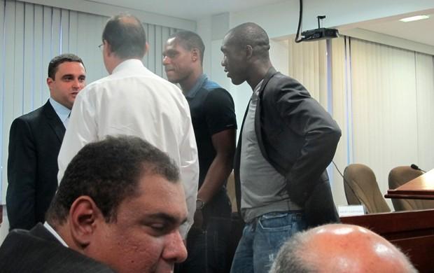 Seedorf, Aníbal Rouxinol e André Bahia  Botafogo (Foto: Fabio Leme)