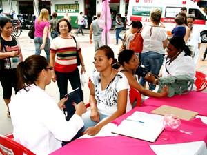 Campanha ´Outubro Rosa` chega a Macaé, na Região dos Lagos do Rio (Foto: Malheiros)