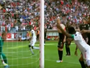 Eto'o usa o braço para marcar, e Antalyaspor bate o Galatasaray