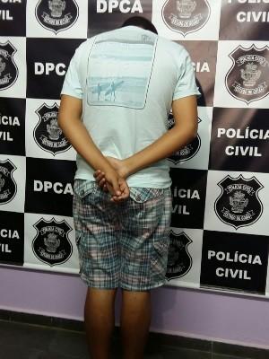 Suspeito foi apreendido nesta sexta-feira (21) Goiás Caldas Novas (Foto: Dhieny Arêbalo/TV Anhanguera)