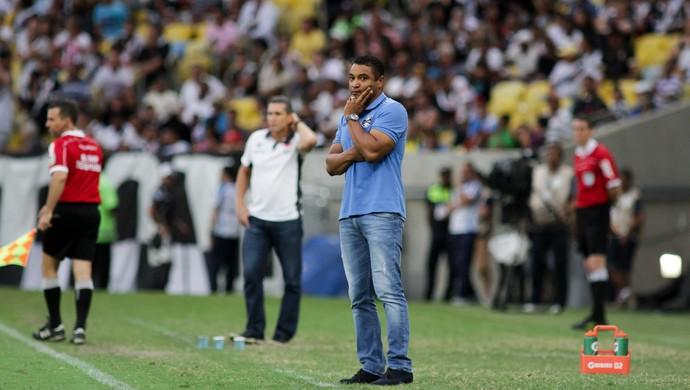 Roger comanda o Grêmio contra o Vasco (Foto: Luciano Belford / Framephoto / AE)