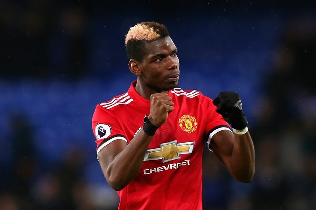 Paul Pogba com o vermelho do Manchester United (Foto: getty images)