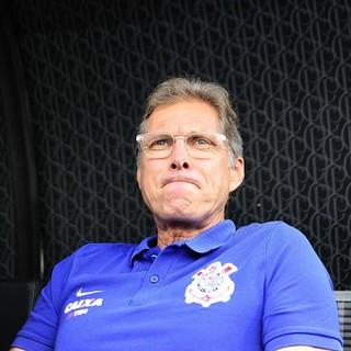 Oswaldo defende realização da última rodada e quer Corinthians de verde