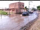 Avenida em distrito de Campos, RJ, continua alagada 3 dias após a chuva