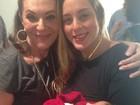 Mãe de Luciano Szafir posta fotos da cerimônia de circuncisão do neto