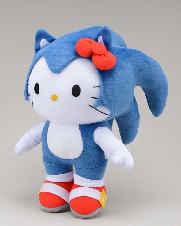 O bonequinho de pelúcia Hello Kitty Sonic, mistura dos personagens Sonic, dos games da Sega, e da Hello Kitty, personagem da Sanrio, começará a ser vendido no Japão no final de julho. (Foto: Divulgação)