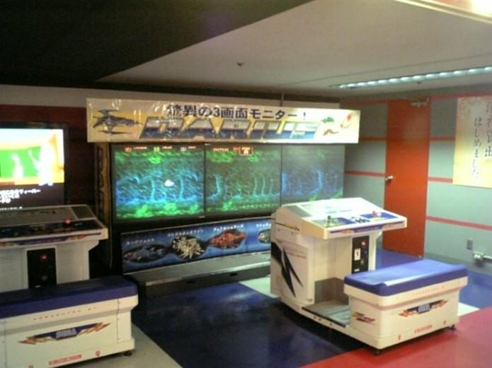 A Taito não economizava na hora de criar uma máquina da série Darius (Foto: Reprodução / RightSpriet.co.uk)