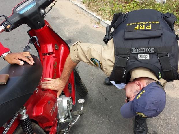 PRF apreende motos roubadas no RN (Foto: Divulgação/PRF)