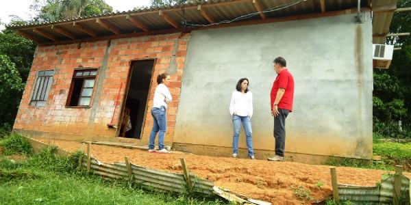 Arquiteta adaptou casa de cadeirante (Foto: Divulgação/RBS TV)