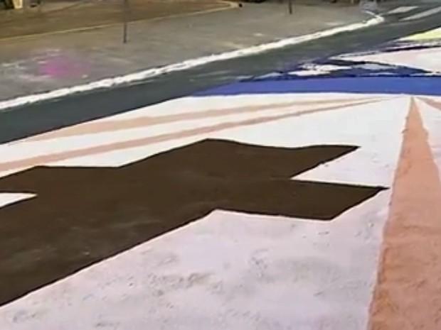 Montagem de tapete de Corpus Christi em Caçapava, no interior de SP (Foto: Reprodução)