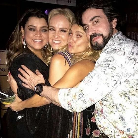 Preta Gil, Angélica, Carolina Dieckmann e Padre Fábio de Melo eram dos mais animados da noite (Foto: Reprodução Instagram)