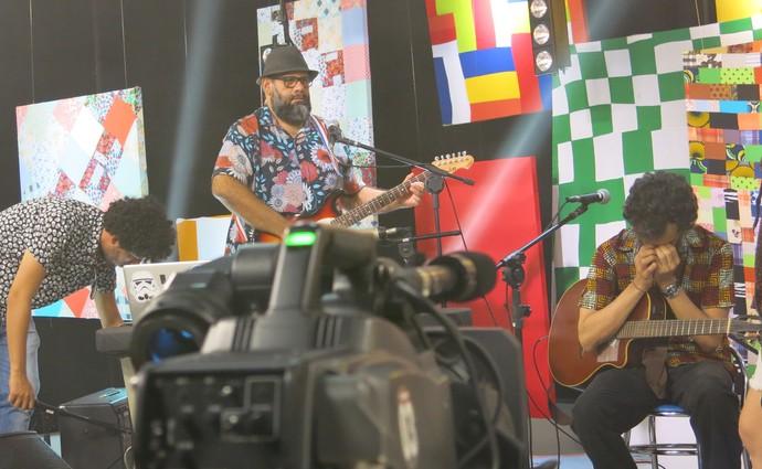 Luisão Pereira e Ronei Jorge, em intervalo de gravação (Foto: TV Bahia)