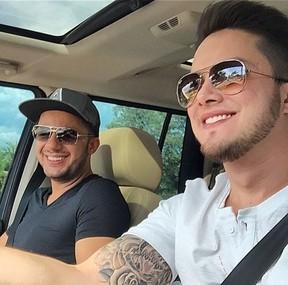Cristiano Araujo e irmão (Foto: Instagram / Reprodução)