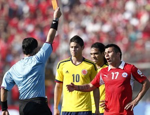 Gary Medel, Chile x Colômbia (Foto: Agência EFE)