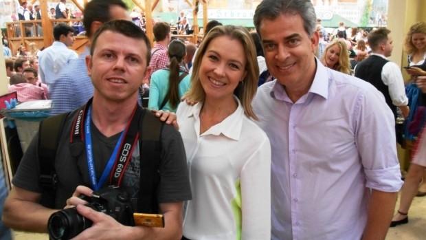 Fábio, Vanessa Moltini e Joelson na Alemanha (Foto: RBS TV/Divulgação)
