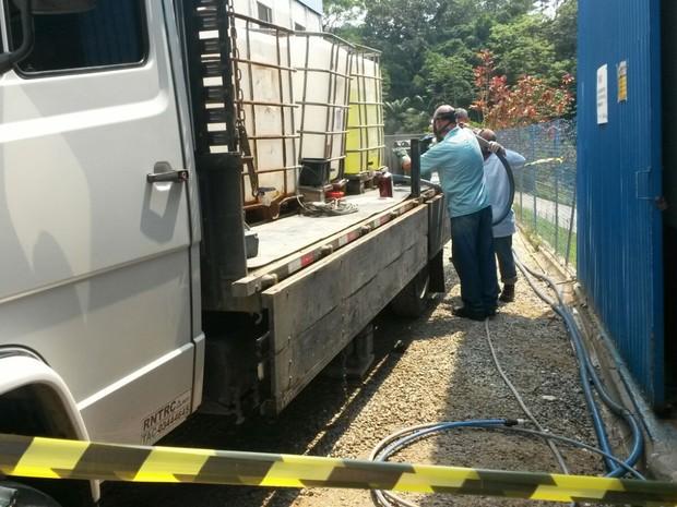 Técnicos do Samae e da Avanex fizeram perícia para descobrir causas do acidente (Foto: Bianca Ingletto/RBS TV)