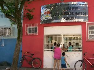 Aulas não começam em escola feita de abrigo em Vila Velha (Foto: Reprodução/ TV Gazeta)