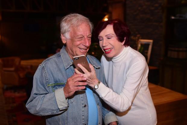 Berta Loran comemora 90 anos e autografa livro em sua homenagem no Theatro Net, em São Paulo (Foto: Leo Franco / AgNews)