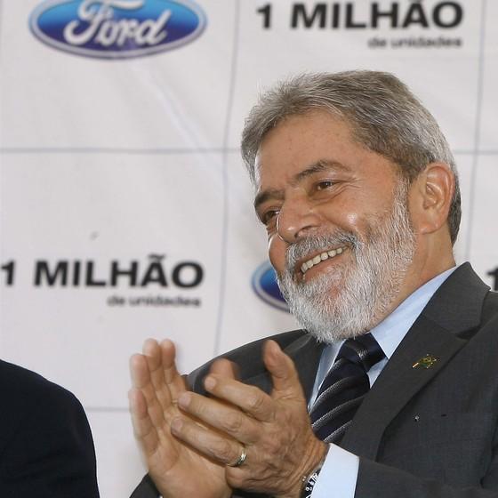 O presidente Lula durante cerimônia que comemora a produção de 1 milhão de veículos no Complexo Industrial Ford Nordeste em 2007 (Foto: Ricardo Stuckert)