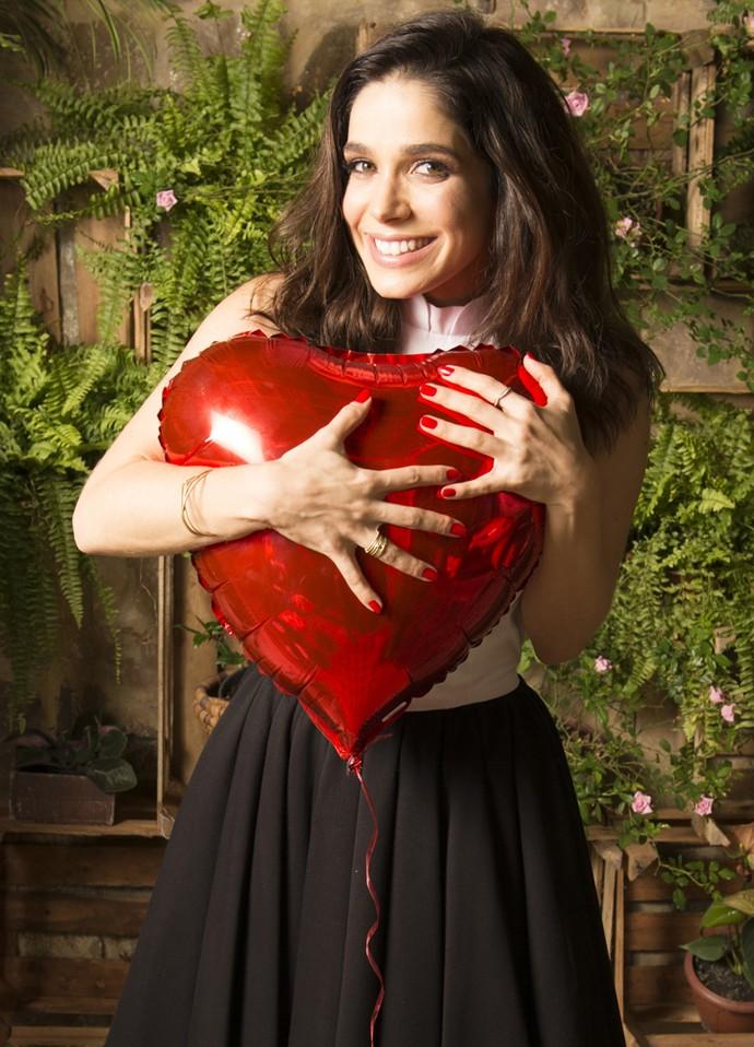 Sabrina Petraglia revela que vai comemorar o Dia dos Namorados com uma semana de atraso (Foto: Ramón Vasconcelos/Globo)