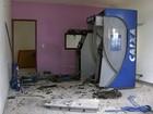 Ladrões deixam R$ 50 mil intactos após explosão de caixas automáticos
