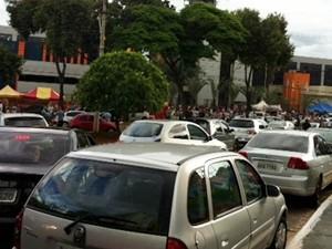 Pela 2ª vez, candidatos fazem prova para escrivão da Polícia Civil de Goiás, em Goiânia (Foto: Fernanda Trigueirinho/TV Anhanguera)