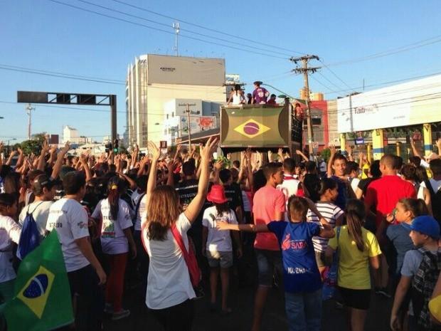 Marcha para Jesus é realizada há 21 anos em Cuiabá (Foto: Cristina Mayumi/TVCA)