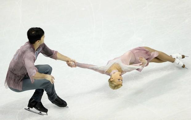 patinação no gelo Tatiana Volosozhar e Maxim Trankov ouro no Mundial (Foto: AFP)