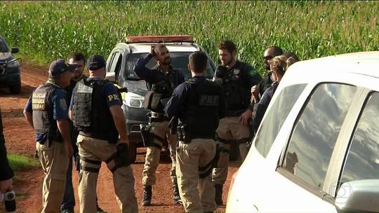 3 suspeitos de mega-assalto e policial são mortos após tiroteio