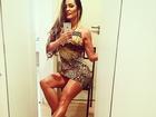 Ops! Carol Muniz faz selfie de vestidinho e quase mostra demais