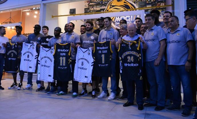 Novos uniformes Mogi das Cruzes basquete (Foto  Cairo Oliveira) 1220e8a855ed8
